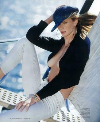 Anne-V-Maxim-Magazine-September-2016-Cover-Editorial05